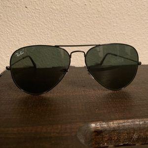 Rayban Aviator black lenses/black frame - Medium